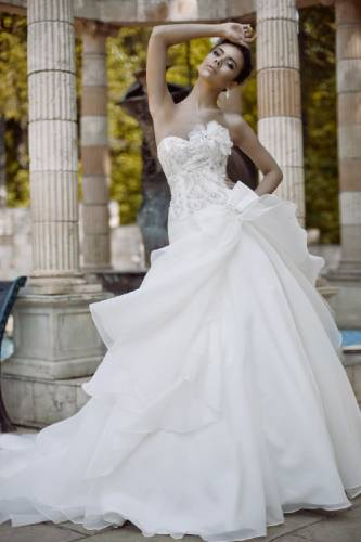 свадебные платья с прозрачными вставками на карсете